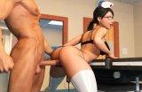 Beute krankenschwester nimmt ein riesenschwanz in arsch